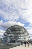 Glaskoepel van de bouw van Reichstag Bundestag in Berlijn, Duitsland stock fotografie