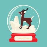Glaskugel der frohen Weihnachten mit Ren Rudolf lizenzfreie stockfotografie