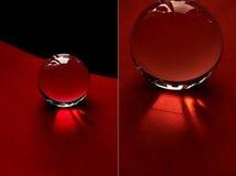 Glaskugel oder Wassertropfen auf einem Hintergrund des roten und schwarzen Samtpapiers Säubern Sie und glänzen Sie, Collage Stockfoto