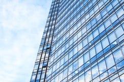 Glasmuur van de bureaubouw stock foto's