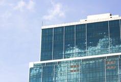 Glass övergångsställebyggnader Arkivfoto