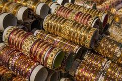 Glass armringar, Hyderabad royaltyfria bilder