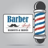 Glass Barber Shop för gammalmodig tappning pol med Barber Sign Arkivfoton