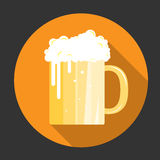 Glass of beer with bubbles icon Royalty Free Stock Photography