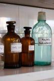 Glass behållare för kemilaboratorium Fotografering för Bildbyråer