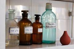 Glass behållare för kemilaboratorium Royaltyfri Bild
