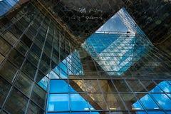 Glass byggnad för kontor i abstrakt begrepp Arkivfoto