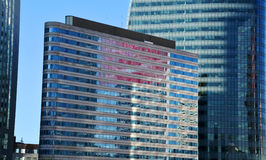 Glass byggnad i Paris Fotografering för Bildbyråer