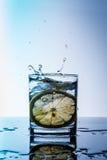 glass citronvatten Fotografering för Bildbyråer