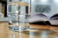A glass cup with water Royalty Free Stock Photos