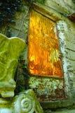 Glass dörr längs trappan i Positano, Italien Royaltyfri Foto
