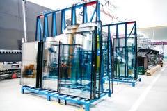 glass fönster för fabrik Arkivbild