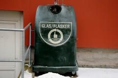 GLASS FÖRLORAD BEHÅLLARE FÖR ÅTERANVÄNDNING AV EXPONERINGSGLAS Arkivbild