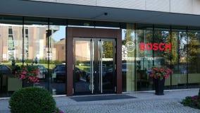 Glass fasad av en modern kontorsbyggnad med Robert Bosch den GmbH logoen Redaktörs- tolkning 3D Royaltyfri Fotografi
