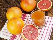 glass grapefruktfruktsaft Royaltyfri Bild