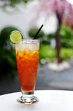 Glass of iced tea with lime Royalty Free Stock Images