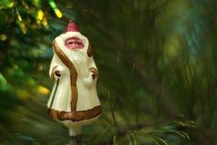 Glass julgranleksak för tappning: Santa Claus Arkivfoto