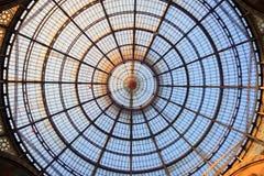 Glass kupol av Galleria i Milan, Italien Royaltyfri Fotografi