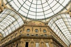 Glass kupol av Galleria Vittorio Emanuele i Milan Arkivfoto