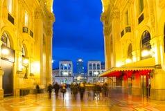 Glass kupol av Galleria Vittorio Emanuele i Milan, Italien Royaltyfri Fotografi