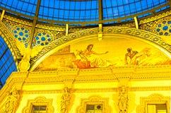 Glass kupol av Galleria Vittorio Emanuele i Milan, Italien Arkivbild