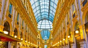 Glass kupol av Galleria Vittorio Emanuele i Milan, Italien Fotografering för Bildbyråer