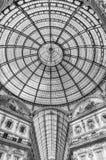Glass kupol av galleriaen Vittorio Emanuele II, Milan, Italien Arkivbild