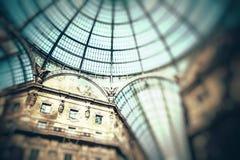 Glass kupol av GalleriaVittorio Emanuele II det shoppa gallerit Milan Italien Royaltyfri Bild