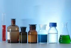 Glass laboratoriumapparatur Royaltyfria Foton