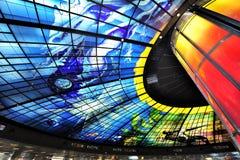Glass mästerverk på taket av den Meilidao stationen i Kaohsiung, Taiwan Royaltyfria Bilder
