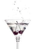 glass martini för Cherry plaska Arkivbilder