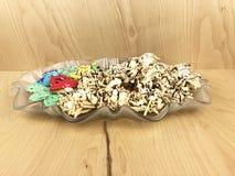 Glass maträtt av kakor och fester Fotografering för Bildbyråer