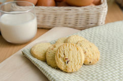 Glass of Milk and  Cookie Royalty Free Stock Images