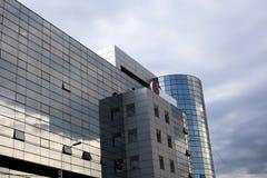 Glass modern kontorsbyggnad Royaltyfri Bild