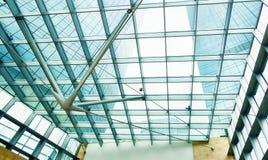glass modernt kontor för byggnad Royaltyfria Bilder