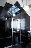 glass nytt kontor för dörrar arkivfoto
