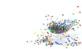 Glass platta med mycket små färgrika runda godisar Högen av sötsaker spridde på en vit bakgrund med fritt utrymme för mellanlägg Vektor Illustrationer
