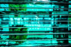 Glass platta med suddighetseffekt royaltyfri bild