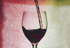 glass rött vin arkivbild