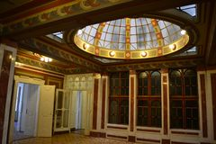 Free Glass Roof Art Deco Style Architecture And Interior Stock Photography - 142433982