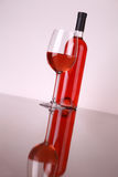 glass rose wine Royaltyfria Bilder