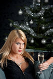 glass sexig kvinna för blond champagnejul Arkivbild