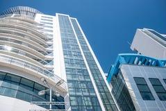 Glass skyskrapa höga byggnader Fotografering för Bildbyråer