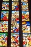 4 glass stained window 大教堂或中央寺院二米兰内部在米兰 E 库存图片