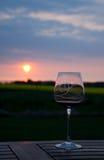 glass sunset wine 免版税库存图片
