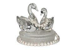 Glass svanar med pärlor Royaltyfria Bilder