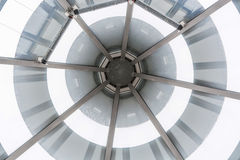Glass tak för Glass kupol av en farstu Arkivfoto