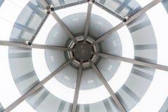 Glass tak för Glass kupol av en farstu Royaltyfri Bild