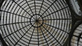 Glass tak för world wide web av Galleria Naples arkivbilder