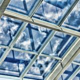 Glass tak med fönstret Royaltyfria Bilder